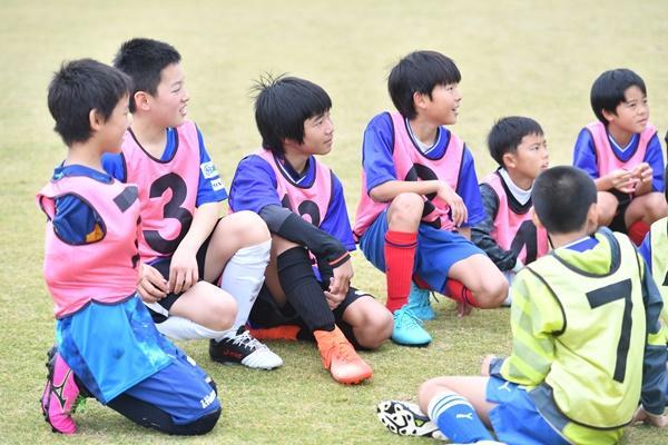 サッカー少年にもある「10歳の壁」。伸びない子は母親を見ればわかる!?/花まる学習会代表・高濱正伸
