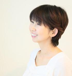 aki_wakamatsu_profile 01.JPG