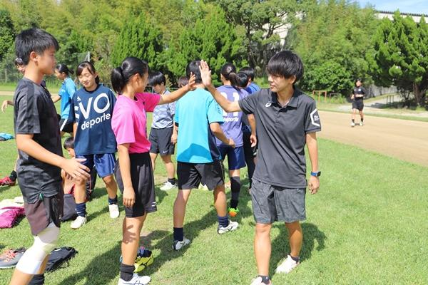 「やる気あるの?」というコーチングでは伸びない。高校サッカー強豪の監督が無冠で気づいた「選手に響く」伝え方の重要性