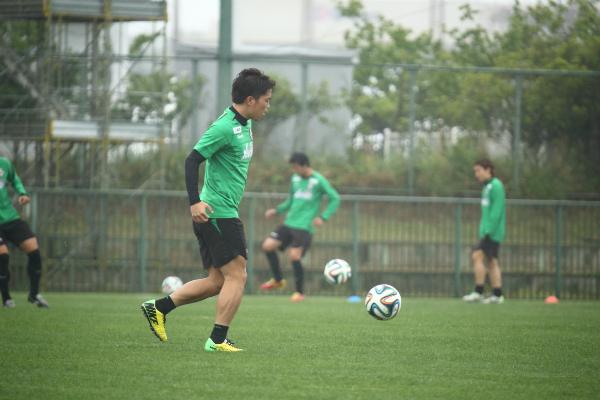 練習に励む高木大輔選手