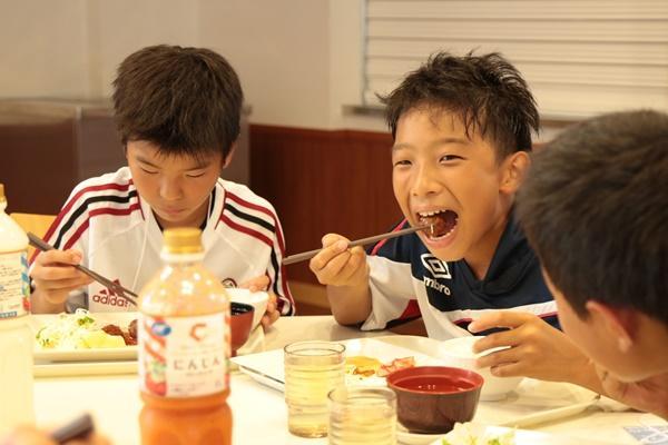 木綿と絹、同じ「豆腐」でも栄養素が大きく違う! 強い身体を作るのにおすすめなのはどっち?