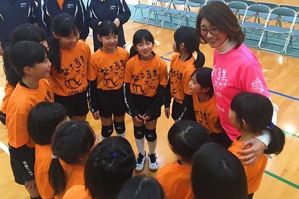 「厳しい指導」を受けてきた元全日本代表、益子直美さんが「怒らない指導」を始めた理由