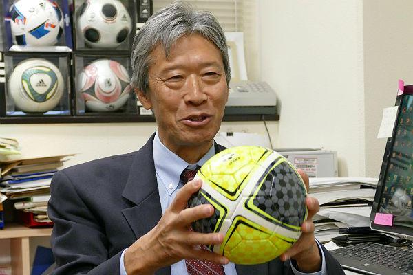 筑波大学の浅井教授に聞いた! 話題のサッカーボール「テクダマ」の効果と具体的なトレーニング方法