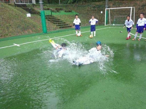 プールサッカー
