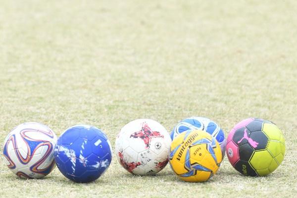 「なんでできないんだ」とガミガミ指摘するコーチを変えたい。子どもたちがサッカーを好きでいられる方法はある?