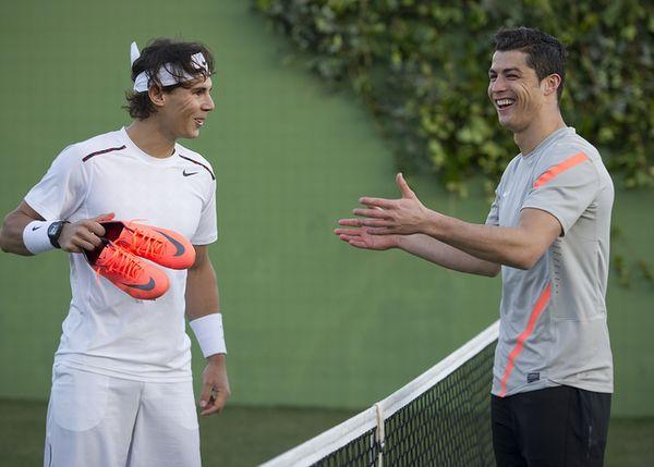 NikeMercurialVaporVIII_CR_Nadal_09_large.JPG