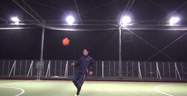 ボールがずれても素早く反応し対応する