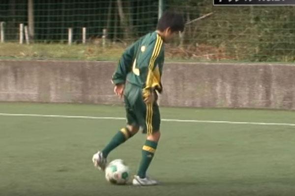 ドリブルは静学サッカー部に学べ!ゼロ距離の相手を緊急回避する軸足ウラ通し